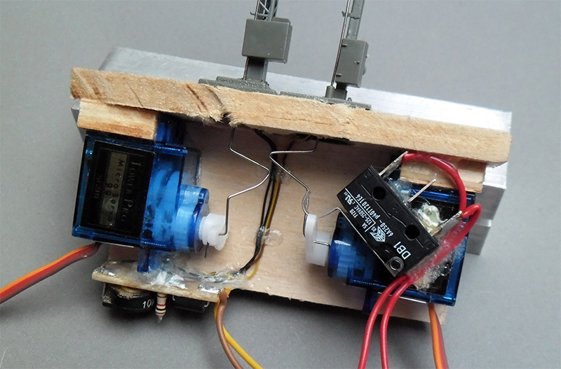 Modellbau-Servos als Antrieb für Formsignale